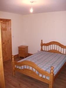 00459-7-107lawnsdalebedroom1