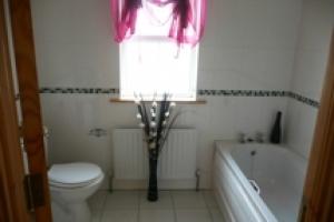 00459-8-107Lawnsdalebathroom